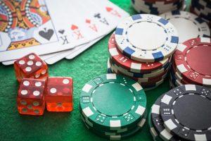 Interneta kazino – atpūta vai atkarība?